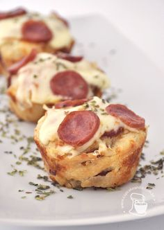 Pizza cupcakes - need to translate I Love Food, Good Food, Yummy Food, Snack Recipes, Cooking Recipes, Appetizer Recipes, Pizza Cupcakes, Pizza Cake, Pizza Pizza