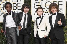 """Los niños de """"Stranger Things"""" están muy elegantes en los Golden Globes de 2017"""