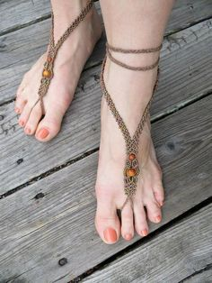 Barefoot Sandals - Hemp Macrame with Reclaimed Redwood and Rainbow Glass - Pair - Hippie Bohemian Natural via Etsy Macrame Necklace, Macrame Jewelry, Hemp Jewelry, Handmade Jewelry, Barefoot Sandals Pattern, Diy Accessoires, Crochet Sandals, Slave Bracelet, Micro Macramé