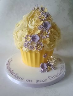 Yellow and Lilac Giant Cupcake for a Graduation Yellow and Li… – Wedding Cakes With Cupcakes Large Cupcake Cakes, Big Cupcake, Fancy Cakes, Mini Cakes, Giant Cake, Giant Cupcakes, Wedding Cakes With Cupcakes, Ladybug Cupcakes, Kitty Cupcakes