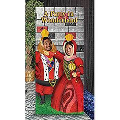 King and Queen of Hearts Photo Stand In