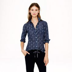 Crew boy shirt in bird print Cotton/silk. Long roll-up sleeves. Functional buttons at cuffs. Shaping seams at the bust. Item J. Crew Tops Button Down Shirts Silk Crepe, Cotton Silk, Preppy Look, Boys Shirts, Women's Shirts, Casual Shirts, Roll Up Sleeves, Short Skirts, Button Up Shirts
