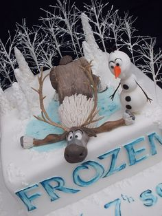 Frozen cake with Olaf and Sven