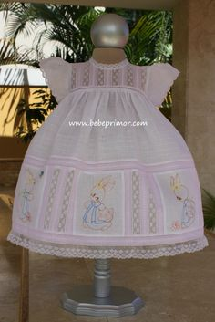 Alena Rosa - Bebé Primor | Ropa para niños y niñas | Puerto Rico Vintage Baby Dresses, Little Dresses, Little Girl Dresses, Pretty Dresses, Baby Girl Dress Patterns, Smocks, Christening Gowns, Heirloom Sewing, Little Girl Fashion