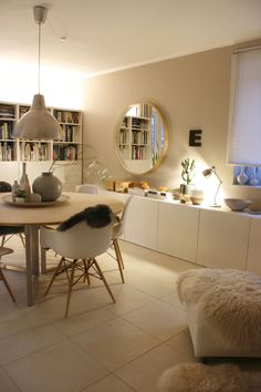 Scandinavian Interior Design, Home Interior, Interior Decorating, Built In Tv Cabinet, Inspiration Ikea, Home Design, Deco Buffet, Home Budget, Living Room Tv