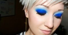 I can only imagine how awesome the Electric Palette from Urban Decay is going to be I Love Makeup, Blue Eye Makeup, Kiss Makeup, Makeup Inspo, Makeup Tips, Beauty Makeup, Makeup Looks, Hair Makeup, Awesome Makeup