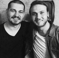 Hermosos!💕💕 Feriha Y Emir, Live Today, Handsome Guys, Turkish Actors, My Boys, Eye Candy, Movies, Decor, Fashion