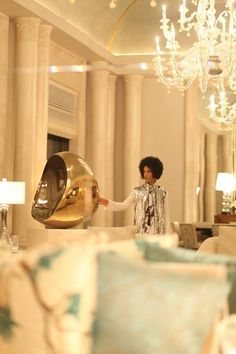 Prince at the Four Seasons Dubai 2015, checking for dust.