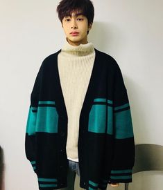 """(180122) bluff_daily's Instagram update with Hyungwon """