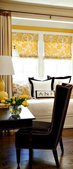 Yellow, black and cream combo. This is lovely.