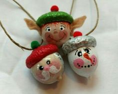 Hand Painted Santa, Elf and Snowmen Acorn Ornaments Pkg … – Crafts Ideas Acorn Crafts, Pine Cone Crafts, Fall Crafts, Holiday Crafts, Christmas Projects, Christmas Crafts, Diy And Crafts, Crafts For Kids, Crafts With Acorns