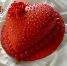 Online Cake Shop in Pune - Cake Delivery in Pune Heart Shaped Cakes, Heart Cakes, Unique Cakes, Creative Cakes, Beautiful Cakes, Amazing Cakes, Valentines Day Cakes, Cake Delivery, Cake Shop