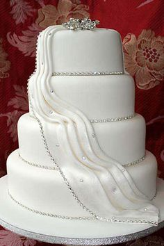Elegant Dress-Like Wedding Cake Design