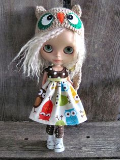 Dolly Molly owls dress for Blythe and Blythe owl hat. So cool!
