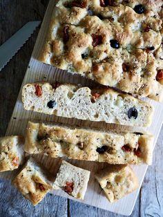 Eltefri focaccia med italienske smaker Sugar And Spice, Mozzarella, Bread Recipes, Spices, Baking, Spice, Bakken, Bakery Recipes, Backen