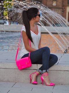 Hey hot pink bag….oh yeah shoes too