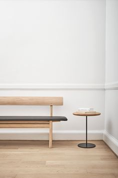 The Mogensen Bench designed by Børge Mogensen in 1956. With its robust simplicity, the bench is an ideal example of Mogensen's lifelong drive for a purified shape. #fredericiafurniture #mogensenbench #børgemogensen #borgemogensen #interiordesign #scandinaviandesign #modernoriginals #halldecor Wood Dining Bench, Dining Chairs, Bench Designs, Wood Surface, Leather Furniture, Mid Century Design, Scandinavian Design, Painting On Wood, Coffee Tables