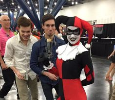 @Topher4524: Looks like Harley is on the receiving end of this bomb! #Comicpalooza @mister_CMS @CameronMonaghan