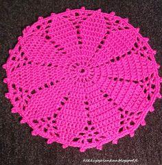 Doily Rug, Crochet Doilies, Handmade Table, Crochet Home, Handicraft, Flower Power, Crochet Necklace, Crochet Patterns, Sewing