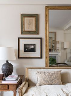 Living Room in New York Apartment by Ginger Barber Interior Design on Home Interior, Living Room Interior, Home Living Room, Living Room Designs, Living Room Decor, Living Spaces, Interior Decorating, Interior Modern, Living Room New York