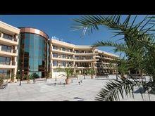 Hotel Morsko Oko Garden Mansions, House Styles, Garden, Home Decor, Garten, Decoration Home, Manor Houses, Room Decor, Villas