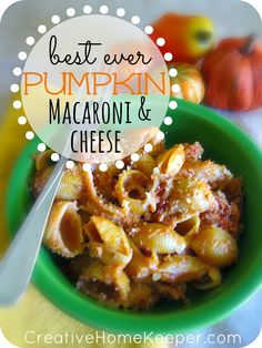 Best Ever Pumpkin Mac and Cheese!!!! This pumpkin macaroni and cheese dish is delicious and a crowd pleaser. Warm, hearty, creamy and filling, its the perfect dish for the cooler nights of fall and winter. Plus it's freezer friendly too making it perfect for busy nights when you have to cook ahead.  The whole family will love it! | CreativeHomeKeeper.com