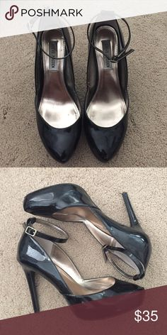 Steve Madden Caprice Heels Size 8.5 Steve Madden Caprice Black Patent Pumps Size 8.5. These heels are super easy to walk in and I could wear them for a few hours without pain. Steve Madden Shoes Heels