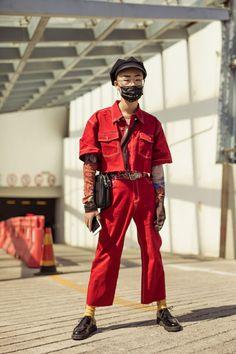 The Very Best Street Style From Shanghai Fashion Week streetwear supreme hypebeast mens fashion fashion s Tokyo Street Fashion, Japanese Street Fashion, Chinese Fashion, Grunge Style, Soft Grunge, Mode Streetwear, Streetwear Fashion, Asian Street Style, Street Styles