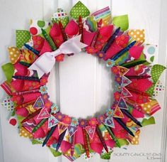 Tutorial | Paper Cone Wreath | Scrapbooking | CraftGossip.com (includes video tutorial, too). Looks easy to do, love the paper...Echo Park.