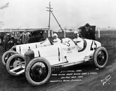 1923 Indianapolis 500 winner Tommy Milton with driver Howdy Wilcox and Harry Stutz, head of the Indianapolis-based Stutz Motor Co. Milton, the first two-time winner of the Indy 500, had only one functional eye.