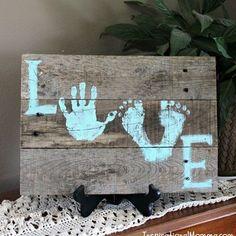 @babyandcie sur Instagram: Une jolie idée #tableau #empreinte #bebe #enfant #famille #love