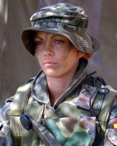 世界の美人な軍人の画像を貼ってく   まにゅそく -オールジャンル2chまとめブログ-