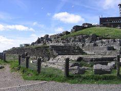 Les vestiges du temple de mercure au sommet du puy de dôme