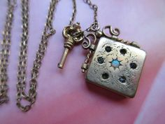 Antique Locket Necklace - Key To My Heart Necklace : Moon and Star Locket - Estate Jewelry - Romantic Gifts - Locket Opal - Victorian G F