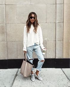 Women outfit outfit boyfriend jeans outfit casual, boyfriend s Mode Outfits, Casual Outfits, Fashion Outfits, Womens Fashion, Travel Outfits, Travel Fashion, Fashion Pants, Fashion Shoes, Looks Chic