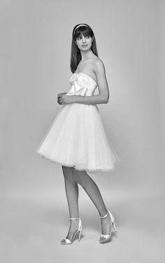 Generation Z, White Dress, Bride, Group, Dresses, Fashion, Wedding Bride, Vestidos, Moda