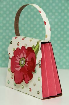 turning a 3-D purse from tags, bags, boxes and more into an accordion purse.