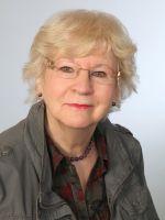 Dr. Hannelore Furch wurde 1946 in Gifhorn geboren und war vor ihrer Heirat und der Geburt zweier Kinder im kaufmännischen Bereich tätig. Seit den 1970er Jahren lebte sie mit ihrer Familie im Celler Raum und bekleidete in Unterlüß ein politisches Mandat.