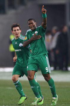 Djibril Cissé 16 Panathinaikos Uefa Champions League, Football Players, Pride, Soccer, Women Wear, Poses, Athletes, Legends, Heart