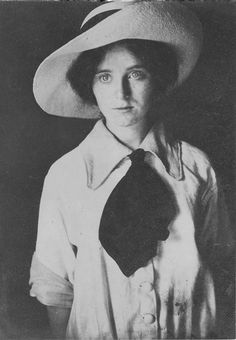 Emma Davies, about 1915 - Photo by Charles W Davies in Louisiana.