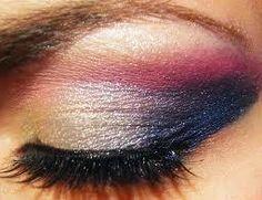 maquillage argenté noir et rose