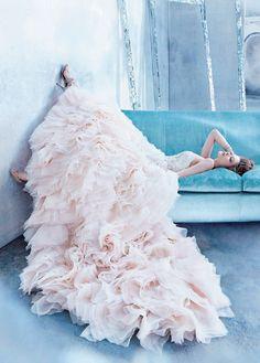 ひと目で違いのわかる手の込んだデザインに注目!最強のクチュールライク・ドレス10選*にて紹介している画像