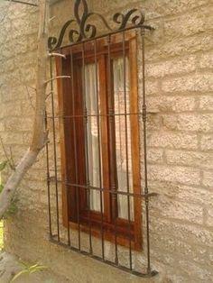 Resultado de imagen para ventanas de madera con proteccion