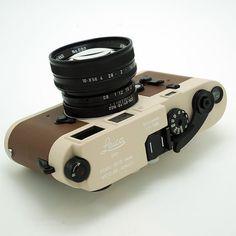 Desert Camo Leica M3 Betriebsk custom. This was a very special customer order. We worked together to make this camera completely unique. #leica #leicacraft #lensporn #camera #cameraporn #filmcamera #shootfilm #leicacamera