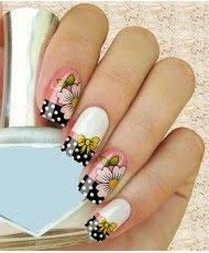 Imagen relacionada Manicure And Pedicure, Gel Nails, Acrylic Nails, Flower Toe Nails, Nail Tip Designs, Funky Fingers, Nail Polish Crafts, Birthday Nails, Beautiful Nail Designs