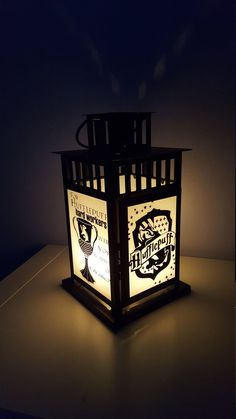 MEDIUM Harry Potter Inspired Hogwarts Hufflepuff House Lantern, Frosted or Clear Glass Hery Potter, Cumpleaños Harry Potter, Harry Potter Bedroom, Potter Facts, Slytherin House, Hufflepuff Bedroom, Slytherin Pride, Cosplay Harry Potter, Diy
