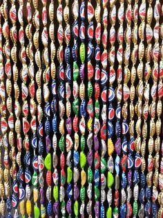My creation. Curtain of 3.315 bottle caps - Mijn creatie.  Vliegengordijn gemaakt met 3.315 flessendopjes.
