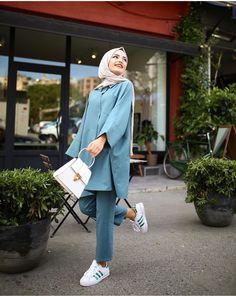 New bridal hijab styles womens fashion ideas Muslim Women Fashion, Modest Fashion, Womens Fashion, Fashion Pants, Hijab Fashion, Fashion Outfits, Fasion, Bridal Hijab Styles, Casual Hijab Outfit