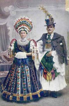 Hungarian formal wedding costumes