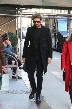 Sebastian Stan: My Genderfluid Style Icon - Sartorial Geek Sebastian Stan, Gentleman Mode, Gentleman Style, Black Outfit Men, All Black Male Outfits, Cowgirl Style Outfits, Man Thing Marvel, Best Dressed Man, Cozy Fashion